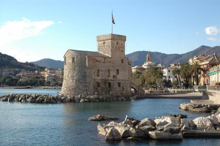 L'antico Castello visto dalle Nagge